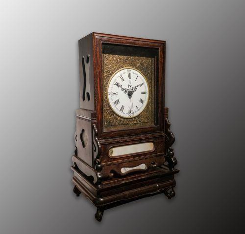 中國鐘錶民族品牌——蘇州餘昌亮相博物館