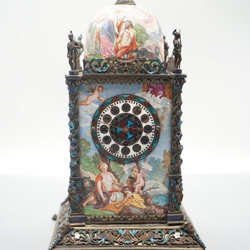 十九世纪奥地利银雕珐琅钟